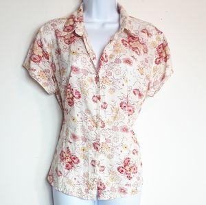 Tõgo petite fitted short sleeve flower blouse